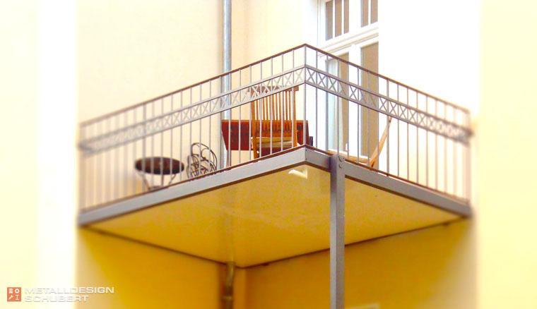 Balkonanlage Berlin-Hermsdorf feuerverzinkt farbbeschichtet