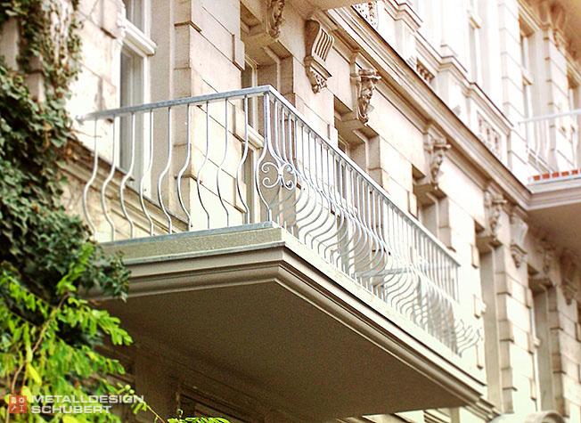 Balkon Korbgitter Berlin-Kreuzberg Stahlbau Metallbau Edelstahl
