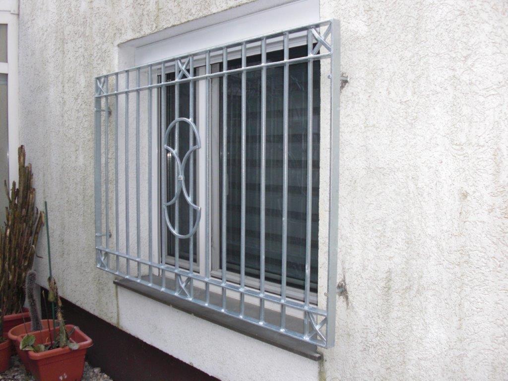Fenstergitter Tors Hammer modern Einbruchschutz