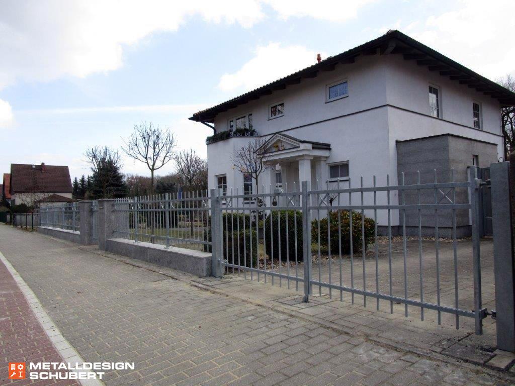 Zaun modern Toranlage mit elektrischen Antrieben Wusterwitz