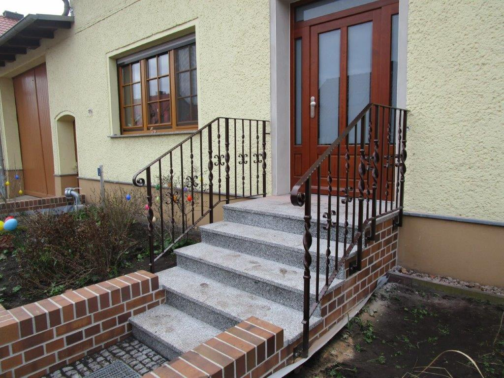 Treppengeländer Hauseingang ,Schmiedeeisen, Pulverbeschichtet, Zitz